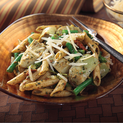 Made with delicious Cara Mia Artichoke Hearts, penne pasta,  and tender green beans all tossed in a divine Sun Dried Tomato Pesto Dressing, this salad is sure to make your taste buds very happy. #STARFineFoods