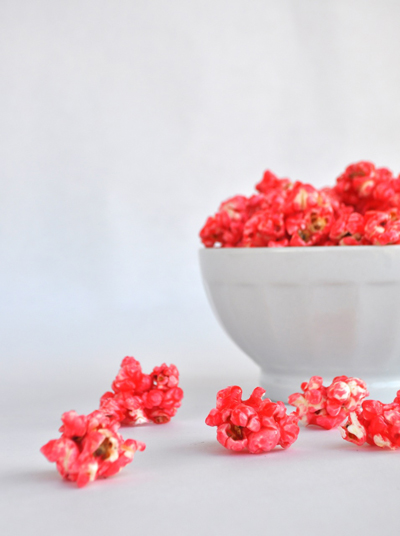 A treat for school or a simple movie day, this cinnamon flavored popcorn recipe is perfect for any occasion! #STARFineFoods