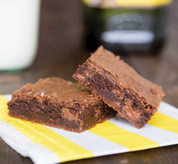Try this rich and fudgy double chocolate brownies recipe made with extra light olive oil! #STARFineFoods