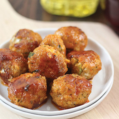 This buffalo chicken meatball recipe is quick and simple, but best of all: spicy. #STARFineFoods