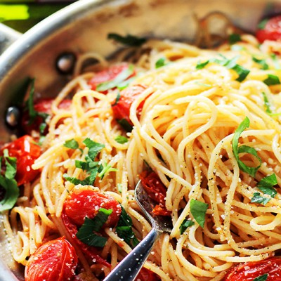 Garlic-Parmesan-Spaghetti-With-Blistered-Tomatoes