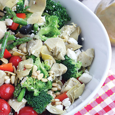 A quick and simple salad recipe loaded with fresh summer veggies and a simple homemade Greek vinaigrette. #STARFineFoods