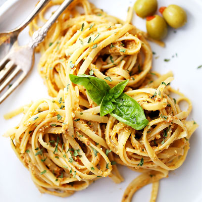 Pesto-Olive-Pasta-Featured