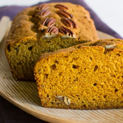 Pumpkin-Bread-with-Toasted-Pecans