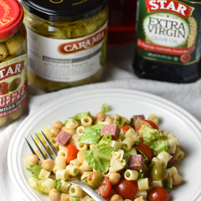 This Italian Chopped Salad is a light, yet hearty salad that tastes like your favorite Italian sub sandwich without the bread! #STARFineFoods