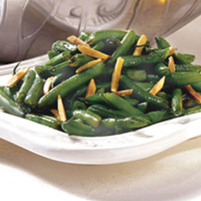 Looking for a healthy snack with a kick? Try this Sweet and Sour Green Beans recipe for a yummy snack that will sure to have your mouth watering. #STARFineFoods