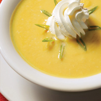 Try this Squash and Apple Soup recipe for a yummy way to serve up soup on any cold day! #STARFineFoods
