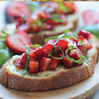 Strawberry Caprese Bruschetta is the perfect recipe for any event or occasion. With warm crispy bread topped off with sweet strawberries, what's there not to love?    #STARFineFoods