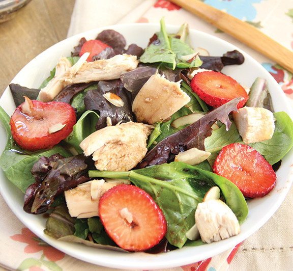 This Strawberry Chicken Summer Salad is the perfect salad for summer! #STARFineFoods