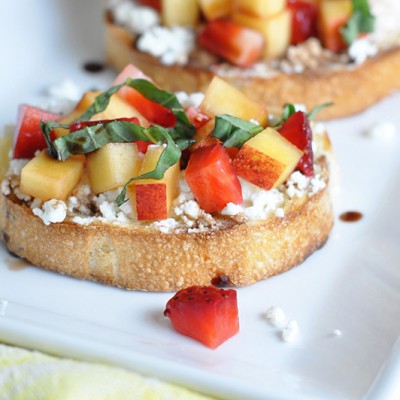 Strawberry-and-Nectarine-Bruschetta