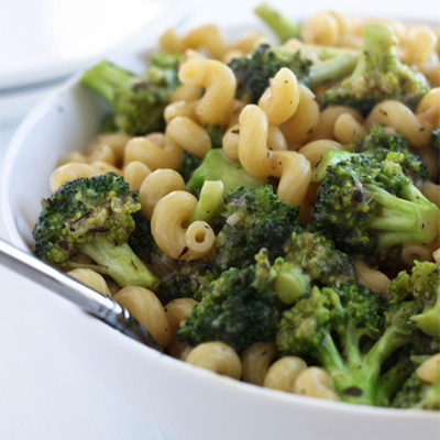 A quick and simple weeknight pasta recipe with broccoli and a (light) creamy herb sauce. #STARFineFoods