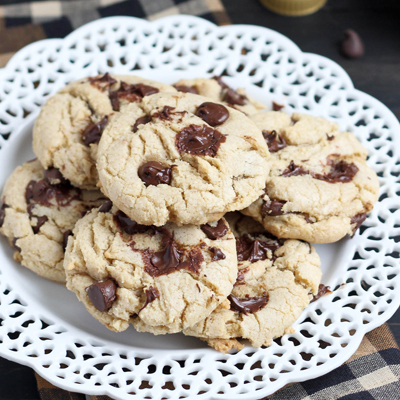 Bake your favorite cookies with this Olive Oil Chocolate Chip Cookies recipe! All the great taste with healthier ingredients. #STARFineFoods